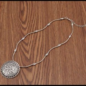 Jewelry - Hyperbolic Women's Necklace NEW WITH TAGS